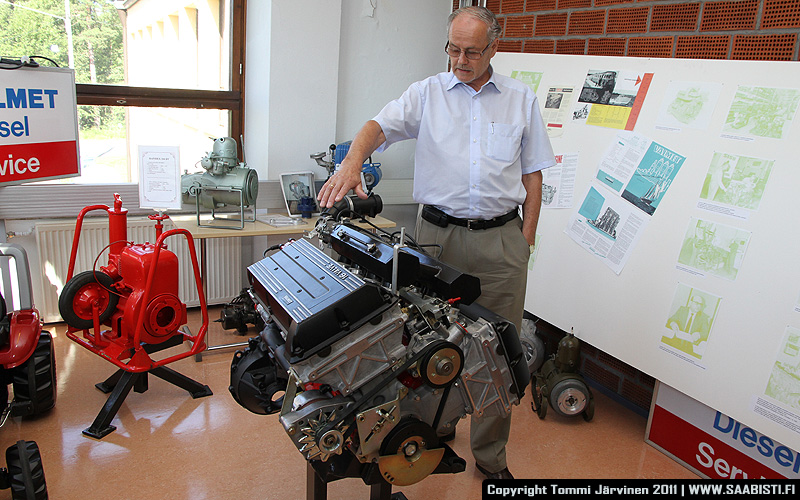 Mauno Ylivakeri and the Saab V8 prototype engine.