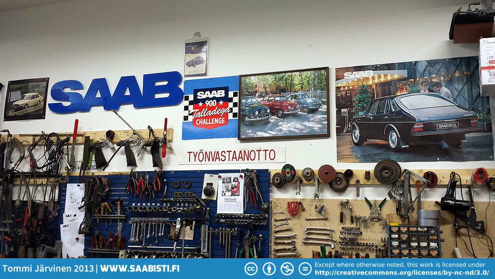 saab-garage-decorations
