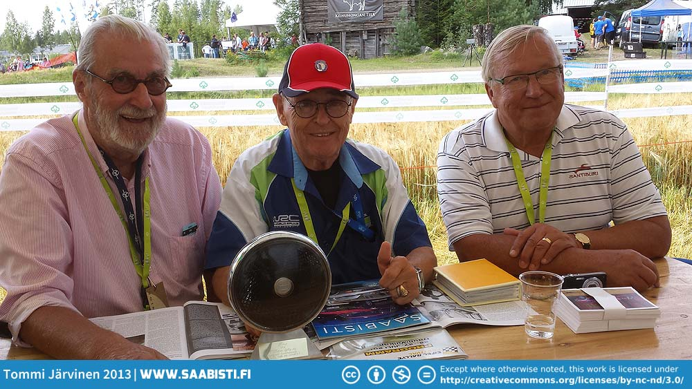 Simo and two of his former co-drivers. On the left Jyrki Ahava with whom Simo raced many a two stroke Saab. On the right Juhani Markkanen from the seventies era and the V4 times.