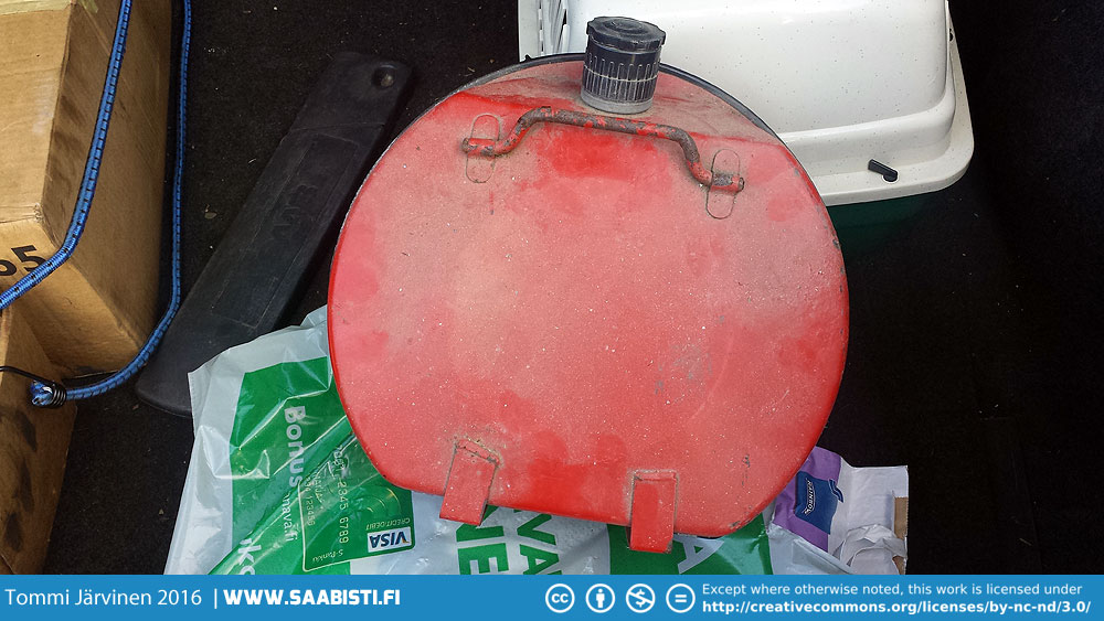 The extra fuel canister that goes in the spare wheel I found locally.